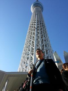 東京スカイツリー前で記念撮影